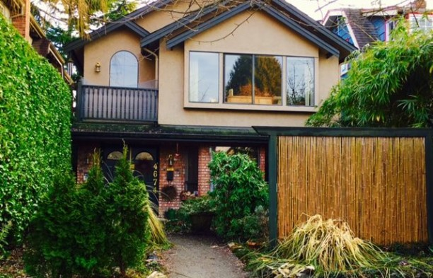 4674 W 11TH AVENUE Listing sold by Ken